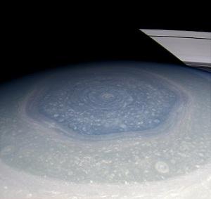 Hexágono de Saturno desde la Cassini