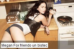 Megan Fox friendo un bistec