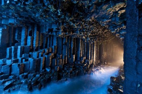 17-Fingal´s-Cave-staffa